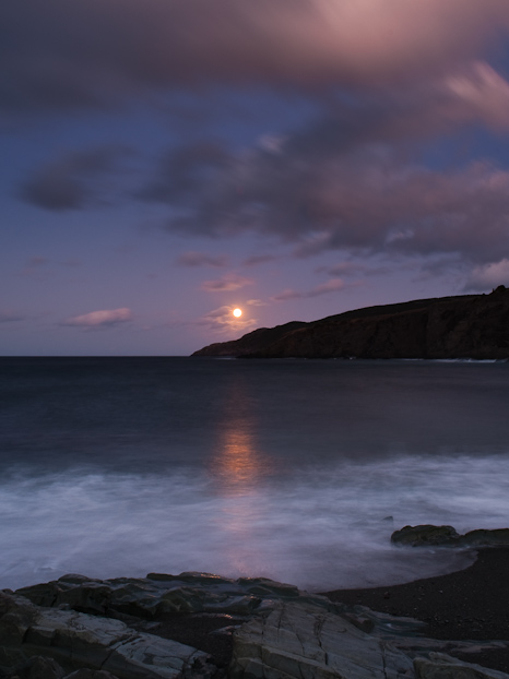 Moonrise - Middle Cove