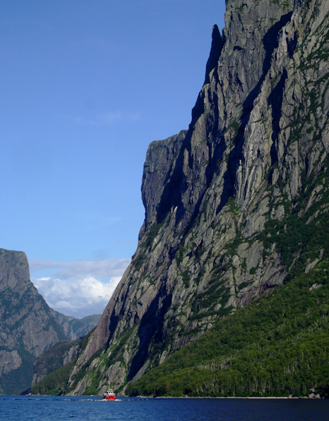Boat tour on Western Brook Pond - Gros Morne