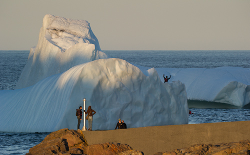 Kayaker on the iceberg - Quidi Vidi