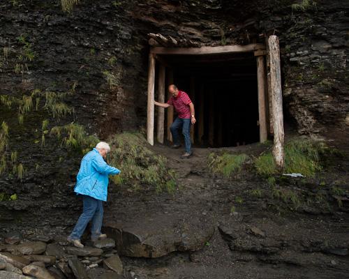 Tunnel to 'hidden' beach - Grebe's Nest, Bell Island